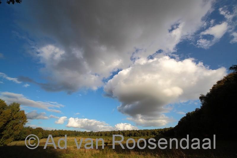 Onder de wolken